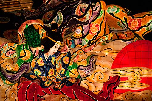 青森ねぶた祭り 大型ねぶた ◆参考リンク:青森ねぶた祭オフィシャルサイト「ねぶたができるまで」